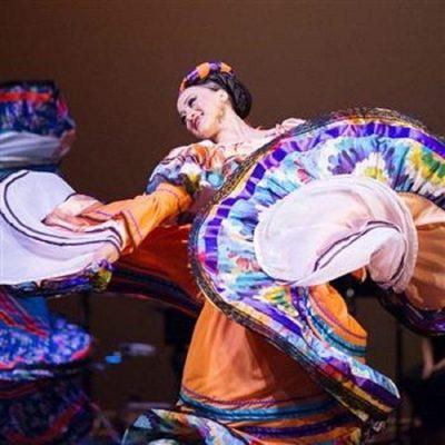 Rodney Strong Vineyards Dance Series: Posada Navid...